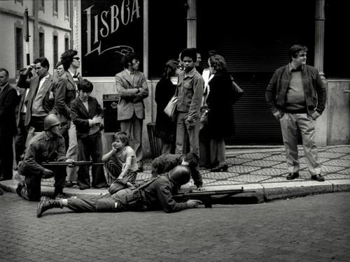 25 de Abril contado às crianças, Lisboa, 1974