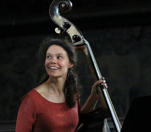 Marta Vicente, contrabaixo barroco.jpg