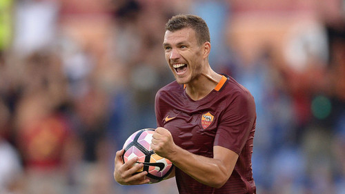 edin-dzeko-roma-football-celebrates_3770020.jpg