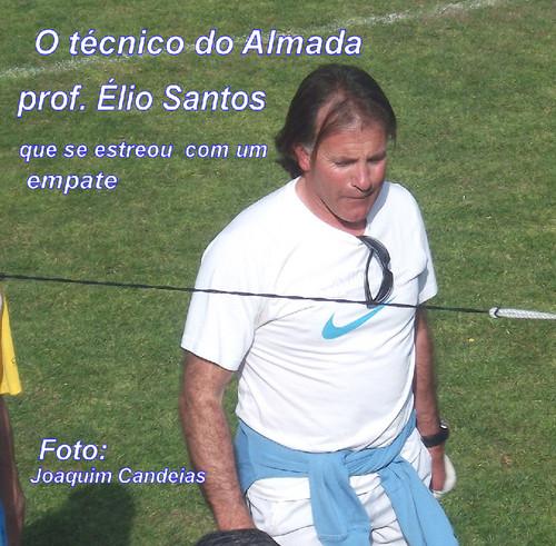 Prof.Élio Santos no técnico do Almada