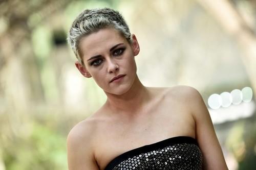 Kristen-Stewart-Charlies-Angels-768x511.jpg