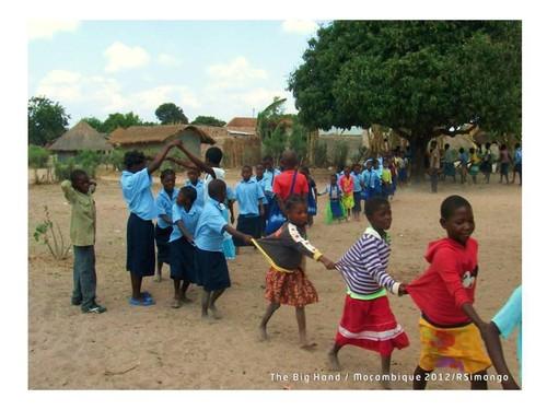 apadrinha uma criança em risco em Moçambique