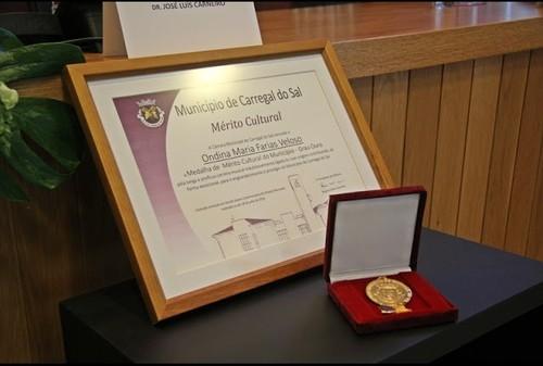 dina agraciada medalha ouro_carregaldosal_18julho2