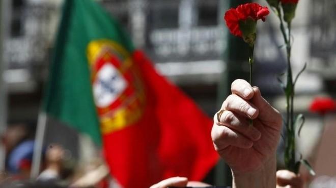 Abril Democrático e Livre....jpg