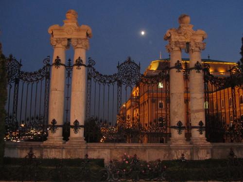 Budapeste: Palácio Real - gradeamento do Escadório Habsburgo