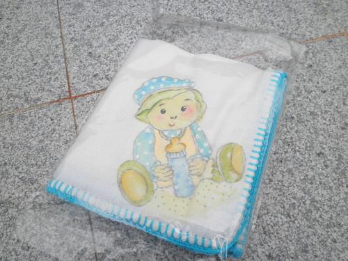 Fralda de bebé pintada á mão!