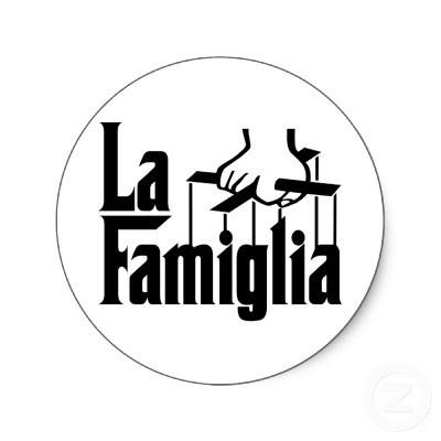 la_famiglia_sticker-p217941404367845020z85xz_400.j