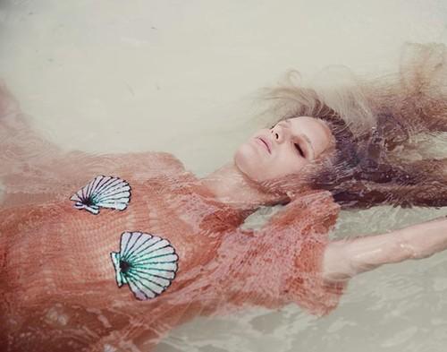 827d6f503a1b0 Espreitem o Catálogo dos Bikinis Wildfox para este Verão 2014 e acreditem  que não se vão arrepender.