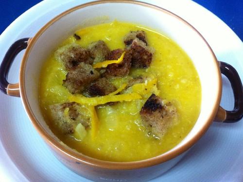 Sopa de Abóbora e Laranja com croutons de canela