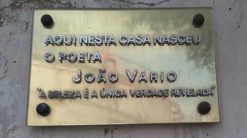 Placa homenagem a Vário.jpg