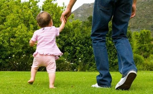Criança a andar