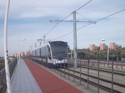 Passagem do Metro Sul do Tejo, sobre o viaduto da Ramalha, no Pragal. Foto:Joaquim Candeias@