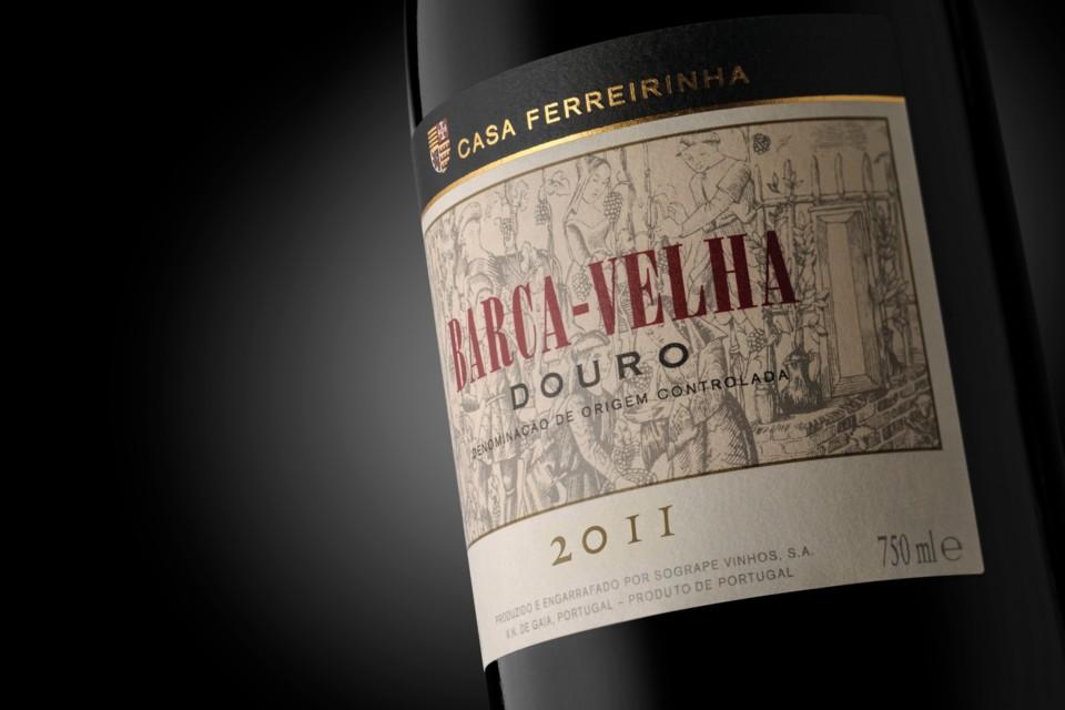 Barca-Velha 2011_garrafa ao baixo.jpg