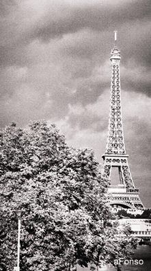 torre eifeLL1.jpg