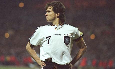 655abfbc4536a ... de ases chegou ao fim, curiosamente o futebol alemão notou-o  profundamente. A meados da década de 90 já eram todos veteranos de mais de  30 anos e ...