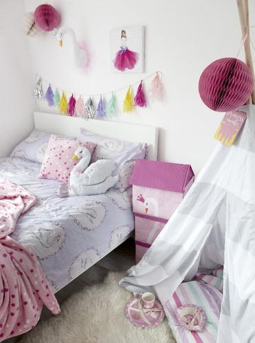 Swan Princess duvet covers €16 $18, Swan Storage