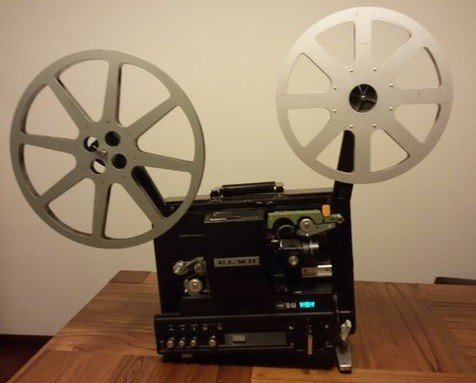 Projetor de Cinema ELMO 16 mm.jpg