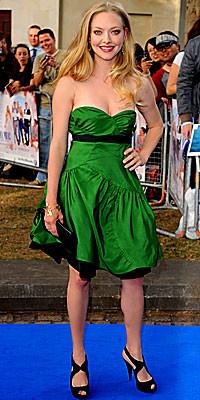 Amanda vestindo Miu Miu