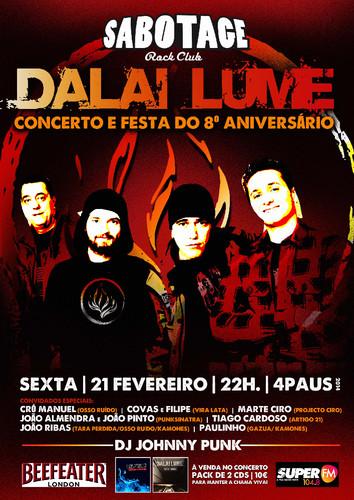 os DALAI LUME celebram 8 anos de punk rock em pleno Cais de Sodre.