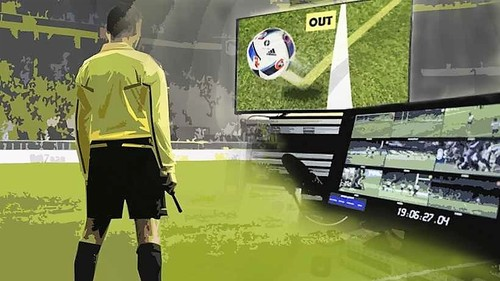 rules-and-regulations-of-football-video-referee.jp