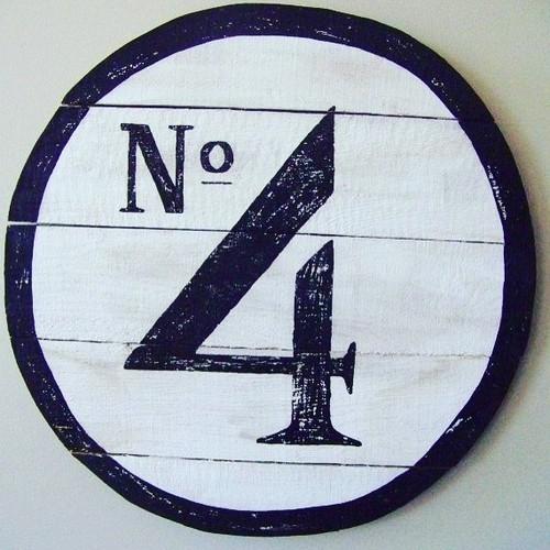 Numero 4.jpg
