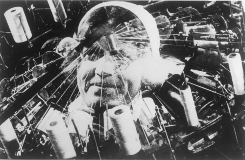The_Man_With_a_Movie_Camera_2_vertov.jpg