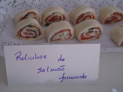 Rolinhos de salmão fumado
