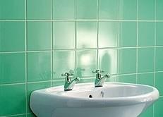 pintura-de-azulejos-na-cor-azul-piscina.jpg