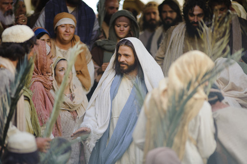 christ-enters-jerusalem.jpg