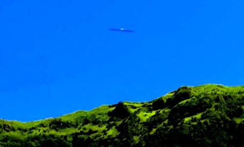 cigar-shaped ufo azores.jpg