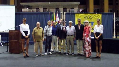 Gala da A.F.Setúbal. Dirigentes do Cova da Piedade recebem o Troféu de Campeões da 1ª Divisão-Foto JoaquimfCandeias