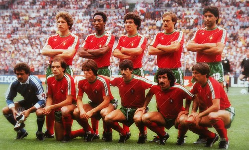 Fonte: http://thevintagefootballclub.blogspot.pt/2012/08/portugal-1984.html