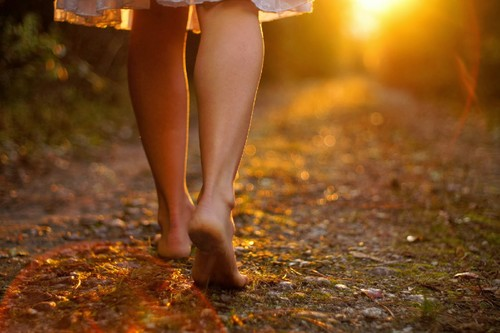 barefoot-walking-credit-gerneinde-celerina1.jpg