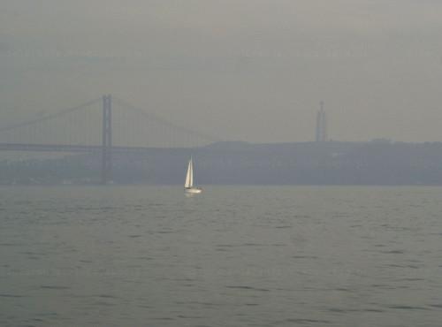 Rio 25 de Abril; (c) 2005.