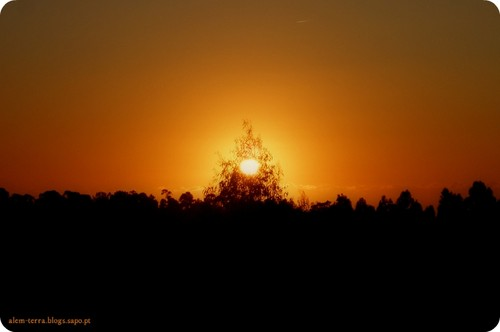Até os pôr-do-sol mais harmoniosos encerram dias menos agradáveis…