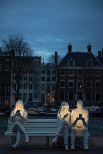 design-bridge-amsterdam-light-festival-designboom-