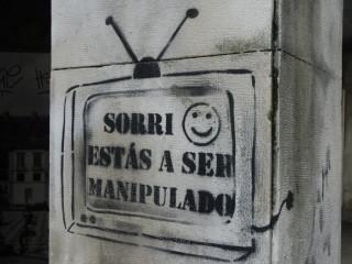 TV manipulacao_grafitti.jpg