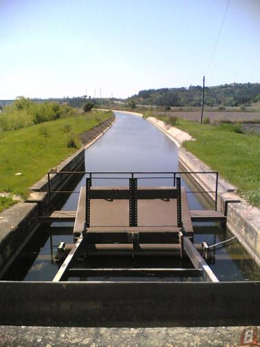 Canal da  Estação Elevatória junto de Lares