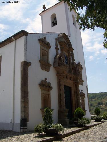 Castelo Bragança: Igreja de Santa Maria - Frente