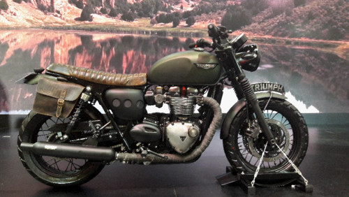 modeo customizado Triumph Bonneville.jpg