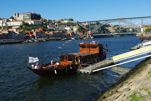 Passeios-de-Barco-Pelo-Douro-Porto.jpg