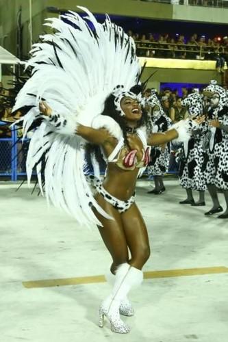 Érika Januza (Carnaval Rio 2018).jpg
