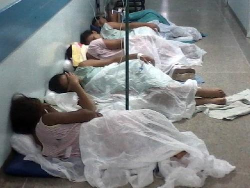 Gravidas aguardando atendimento em hospital público do Rio de Janeiro