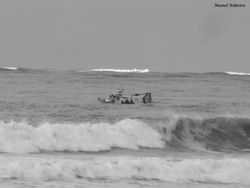 Entre as ondas...manel ribeiro.jpg