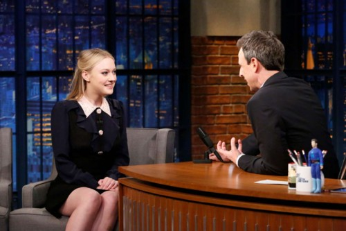 Dakota-Fanning-on-Late-Night-with-Seth-Meyers--09.