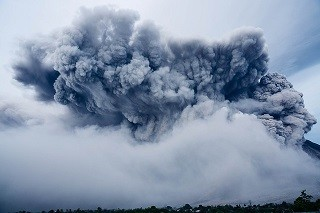 ash-cloud-1867439_640.jpg