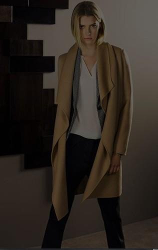14fd23920 Massimo Dutti Look 2013-2014 Casaco Cinzento cocoon 219,00€;Camisola gola  alta básica 39,95€;Calças estampadas pied-de-coq 49,95€;