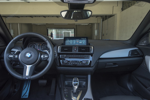 BMW240i_2.jpg
