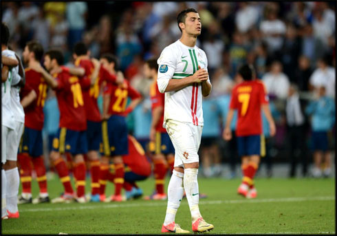 cristiano-ronaldo-525-portugal-vs-spain-praying-an