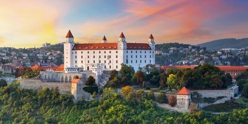 bratislava-castle.jpg